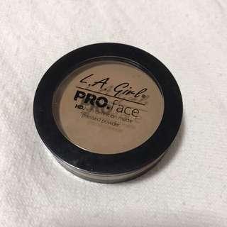 LA Girl Pro Face HD Powder in Warm Honey