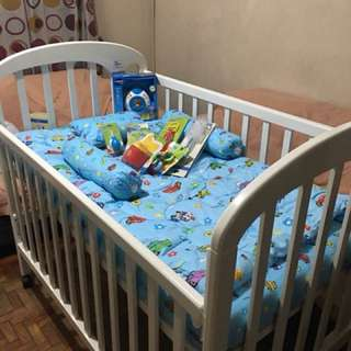 Adjustable Wooden Crib With High Quality Matress