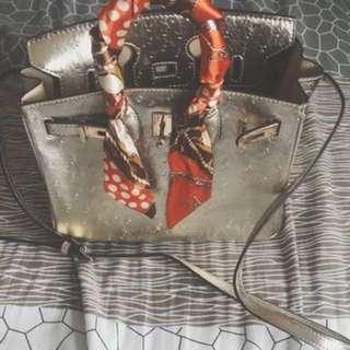 鴕鳥紋牛皮精緻包。代售 #新春八折