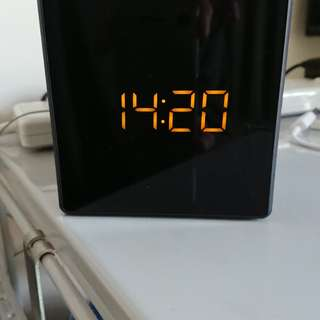 Near new Sony radio clock