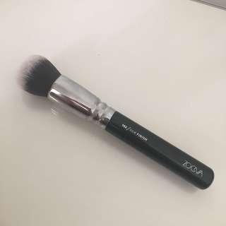 Zoeva 102 Silk Finish Brush