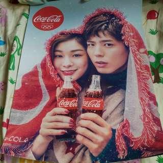 可口可樂南韓冬奧朴寶劍金研兒海報一張