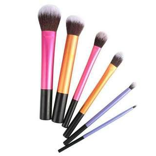 Brush makeup realtechnique kw