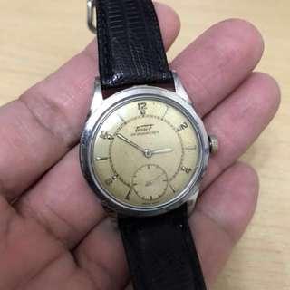 古董天梭細三針手上鍊牛角錶耳手錶 TISSOT ANTIMAGNETIQUE, circa 1945