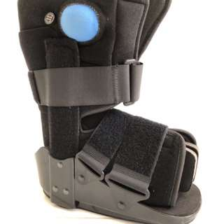 Inflatable walker boot foot brace