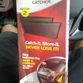 Catch caddy seat pocket