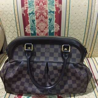 Authentic LV trevi PM Handbag