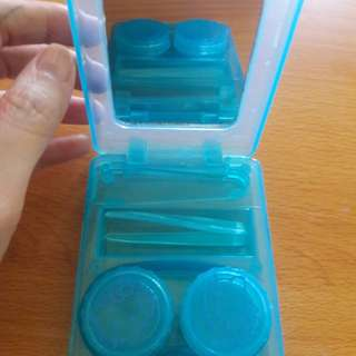Preloved Tempat Softlens Biru Hellokitty