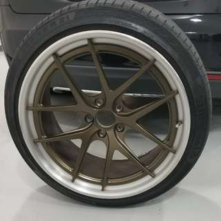 "Tesla 21"" rims and tires (QTY:4)"