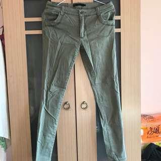 九成新 淡綠色牛仔褲