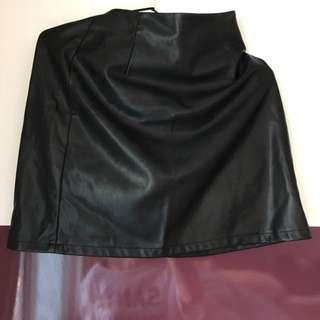 🚚 皮裙(黑色)