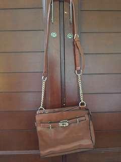 Sling bag chain brown