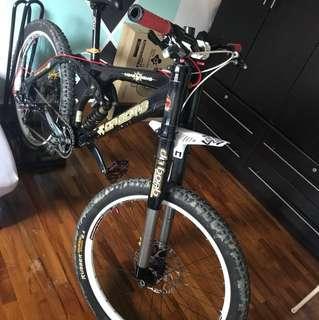 Dabomb DH Mountain Bike
