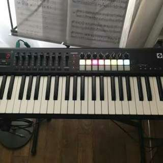 Midi Controller Novation launchkey mk2 49 keyboard