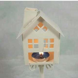 Tempat lilin model rumah