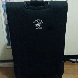TRAVELLING LUGGAGE BAG