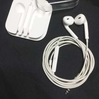 Apple Earpods 3.55mm headphone plug