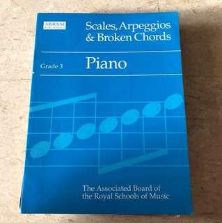 Grade 3 Piano Scales & Arpeggios