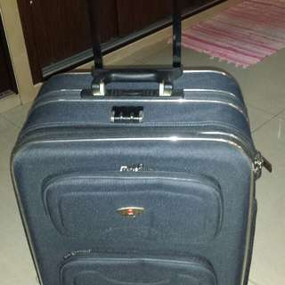 "27"" travel luggage bag"