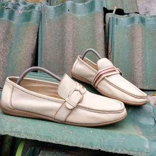 Sepatu slip on mishall
