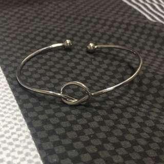 European Minimalist Simple Knot Bracelet