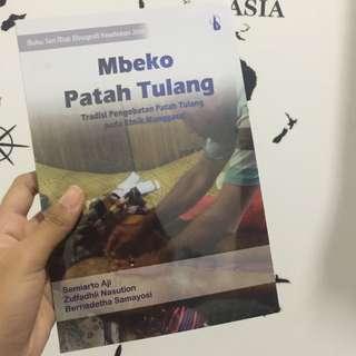 Buku Kesehatan 'Mbeko Patah Tulang'