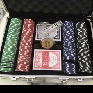 Poker chips Set 200Pcs (Brand New)