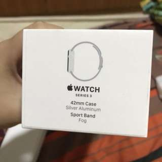Apple Watch series 3 42mm Case Silver Alumnium Sport Band