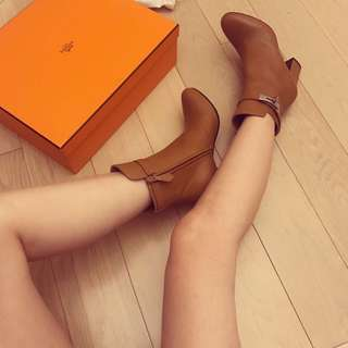 Hermes boot size 36