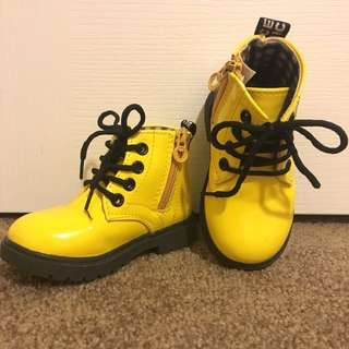 ONHAND : Preloved Dr. Martens Inspired Boots