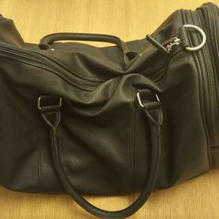 Leather shoulder carrier