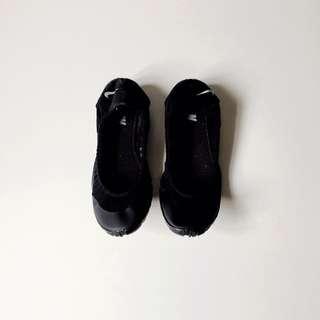 NIKE 瑜伽鞋