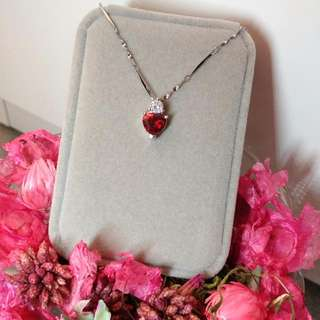 高貴鑲心型紅寶石吊墜閃亮頸鏈 Elegant Noble Lnlaid Heat Ruby Pendant Shiny Necklace