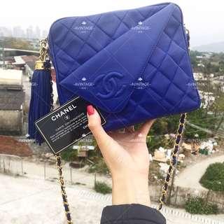 (SOLD)Chanel Vintage 電光藍羊皮流蘇 Camera Bag