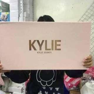 Kylie Jenner Big Set