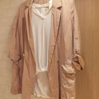 White T shirt and outer