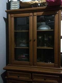lemari kayu mahoni