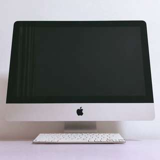 "iMac 21.5"" mid 2010 with Logitech wireless keyboard"