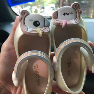 CUTE GIRL SHOES!