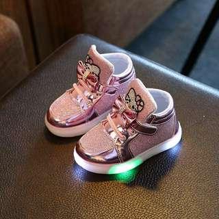 Sepatu LED hello kitty ukuran 30