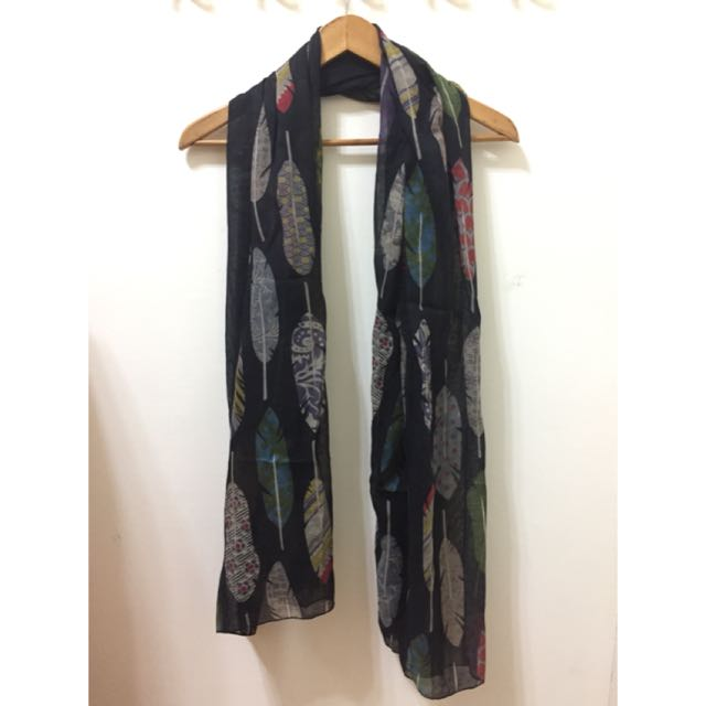 羽毛女性圍巾