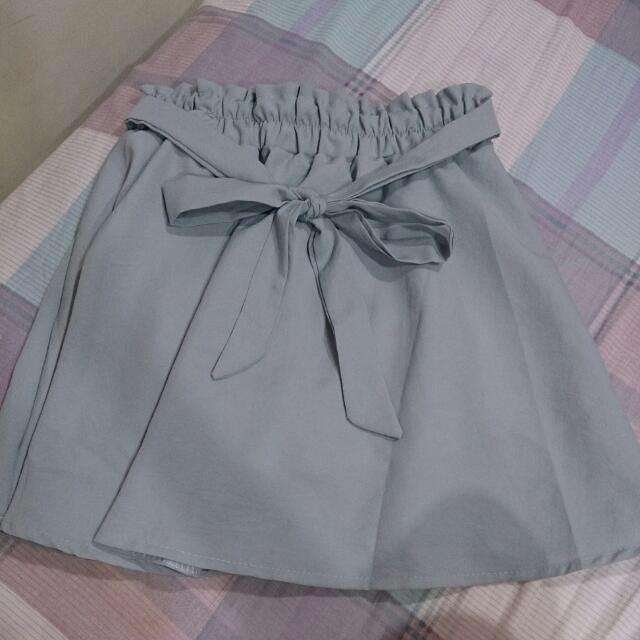 蝴蝶結短裙