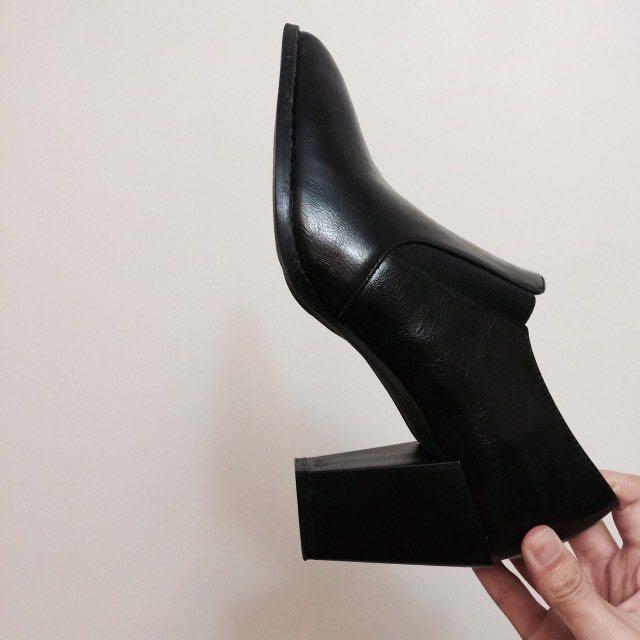 黑 尖頭 鬆緊 粗跟 高跟鞋 #新春八折