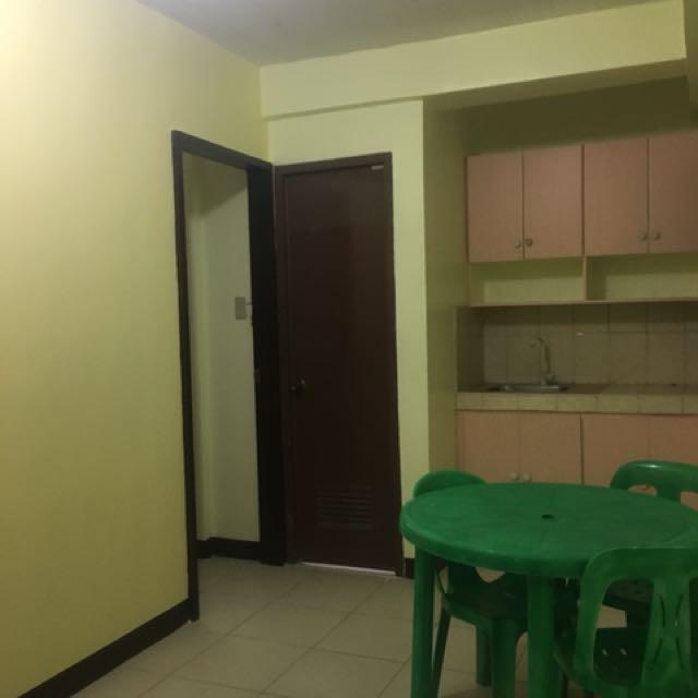 Bedspacers at Comembo, Makati