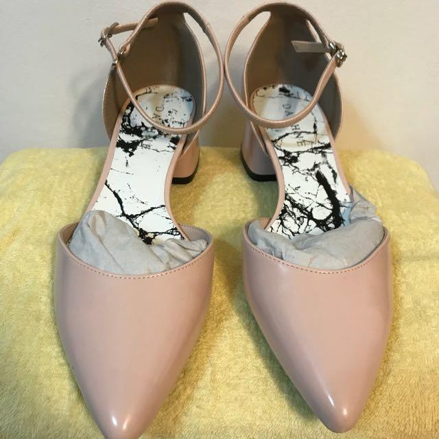 Daphne 一字扣粉色鞋子 #新春八折