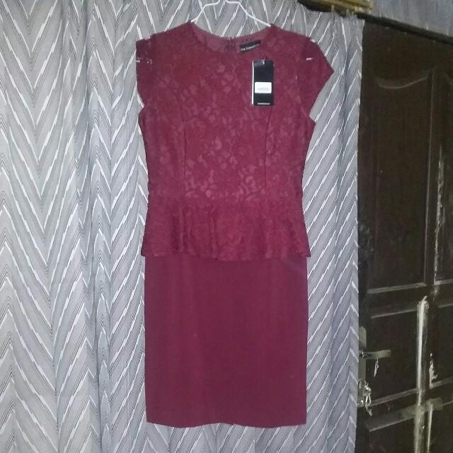 Dress semi brukat the executive size s