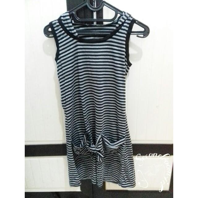 Dress stripe with capucon