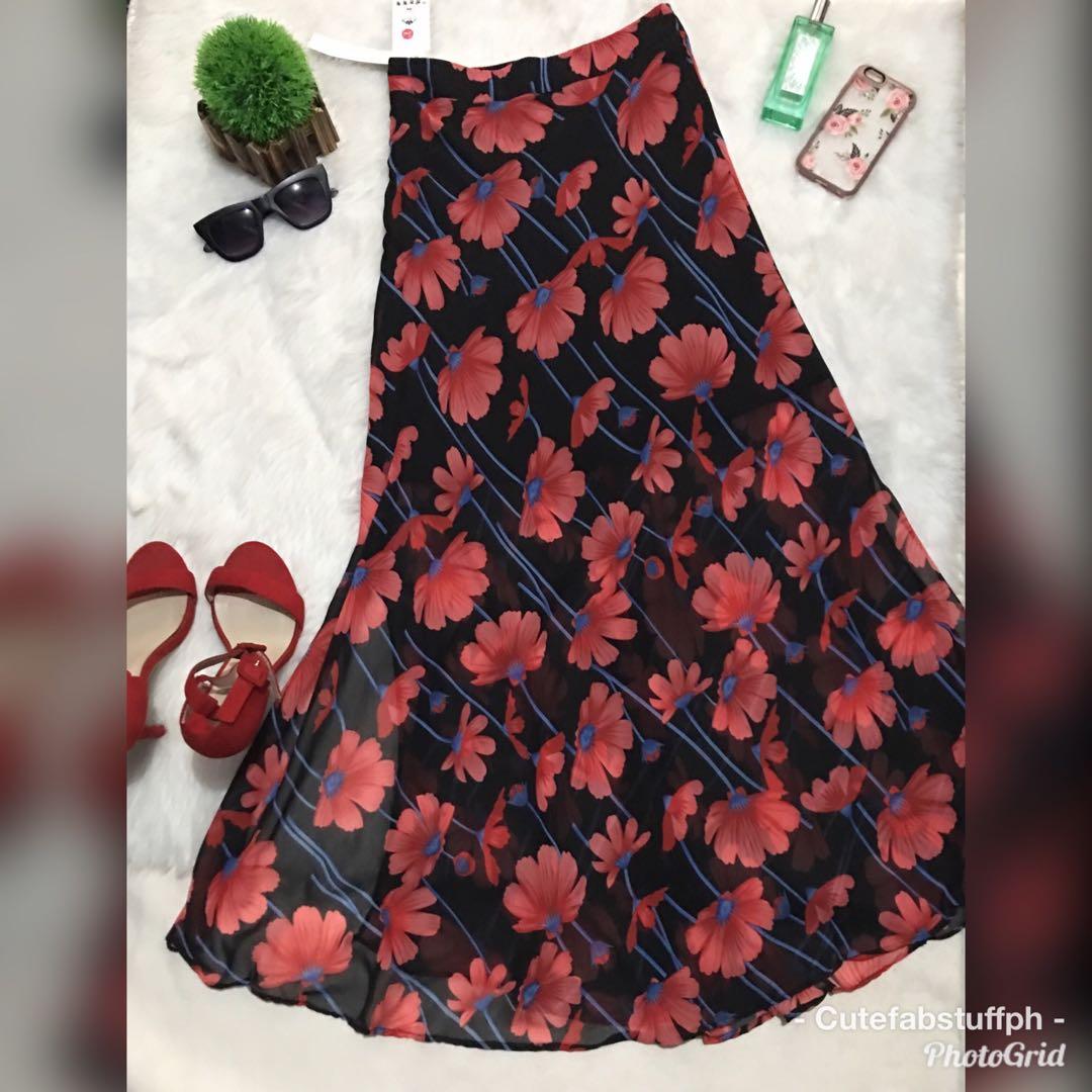 Hq Sg brand floral beach skirt