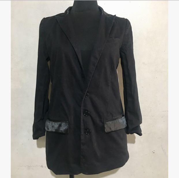 IZZUE CO Black Blazer