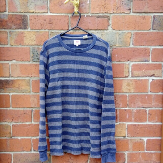 Levis waffle fabric sweater | Size M